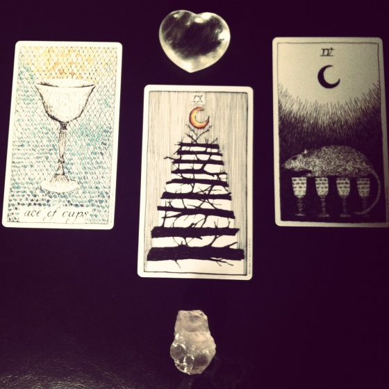 The Wild Unknown Tarot Deck, rose quartz and clear quartz heart